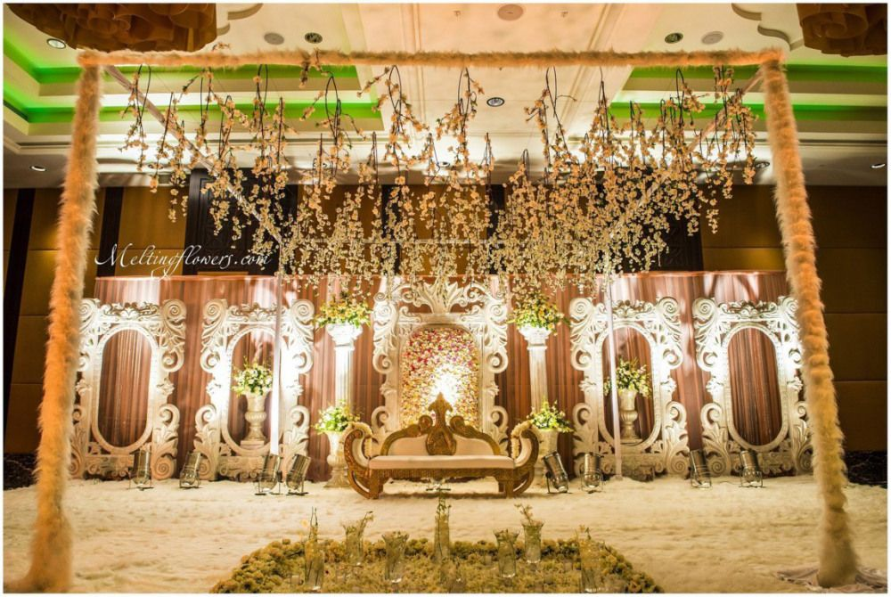 Latest Wedding Decoration Ideas For Bangalore Venues Wedding Stage