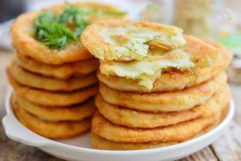 Тонкие жареные пирожки с картошкой на кефире | Жареные ...