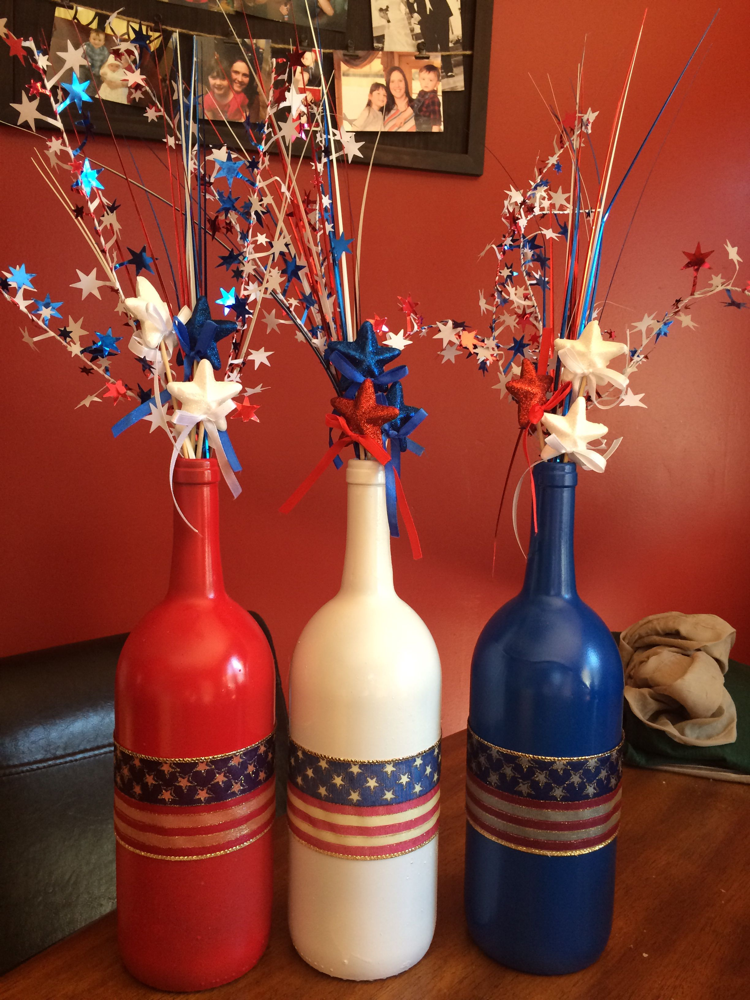 Red White And Blue 4th If July Wine Bottles Painted Wine Bottles Wine Bottle Diy Crafts Glass Bottle Diy