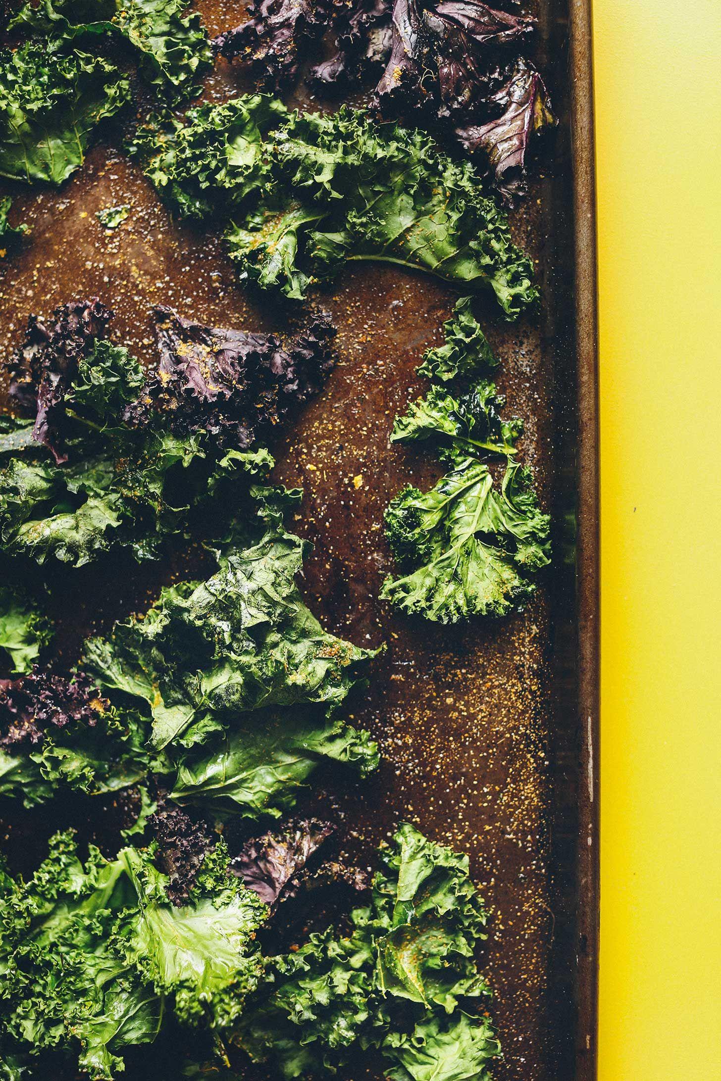 How to Make Kale Chips How to Make Kale Chips! 25 minutes, Perfectly crispy, SO healthy!