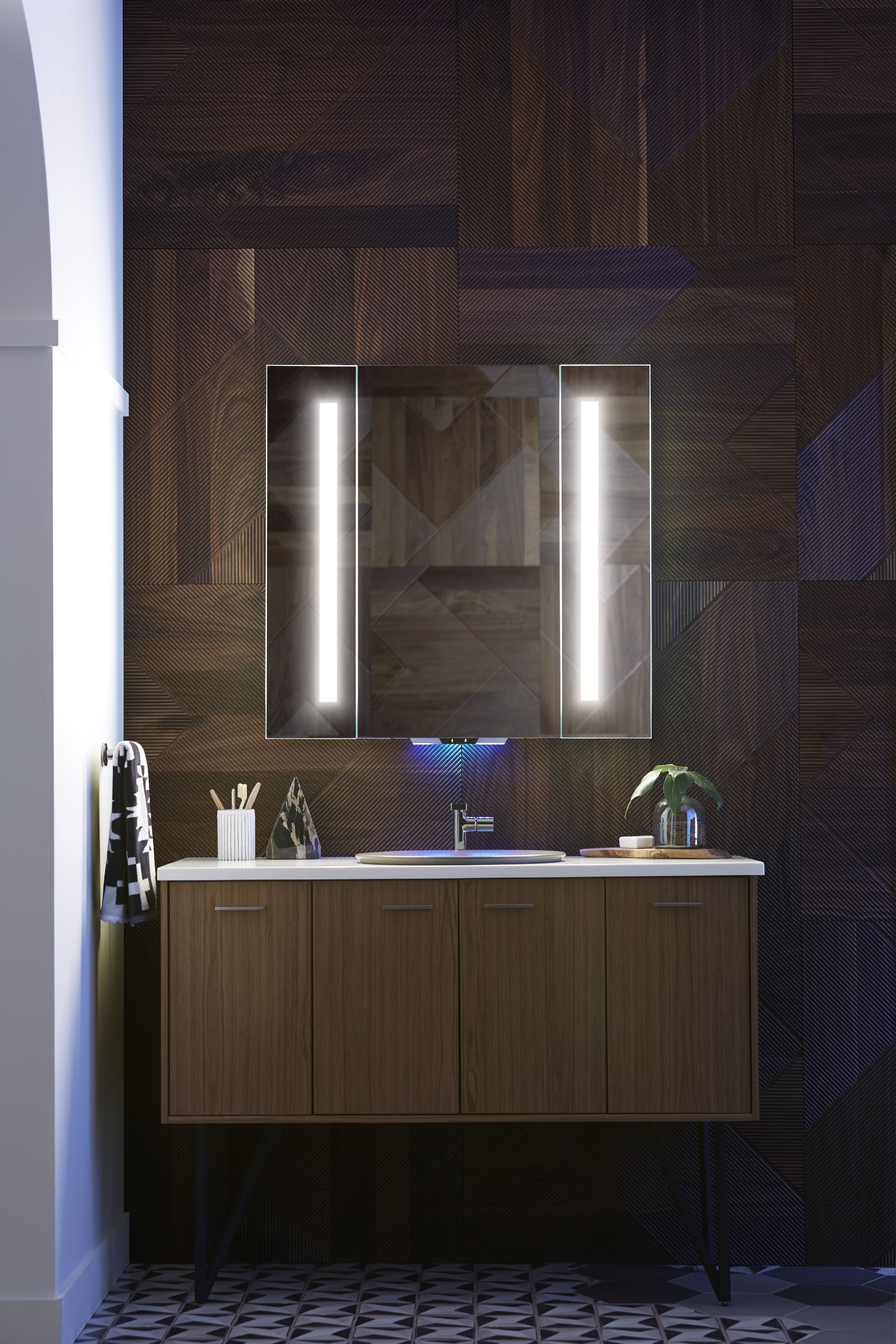 Verdera Voice Lighted Mirror With Amazon Alexa Tech Home Home Technology Mirror With Lights [ 4500 x 3000 Pixel ]