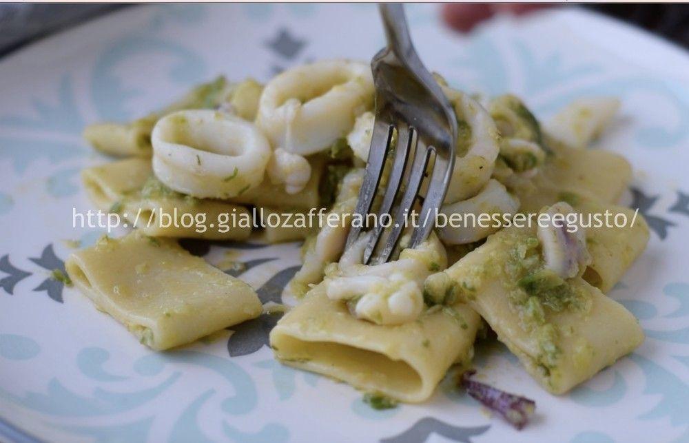 Calamarata di zucchine, un primo piatto estivo e gustoso da provare anche nella versione light. Ricetta facile, primo piatto di pesce