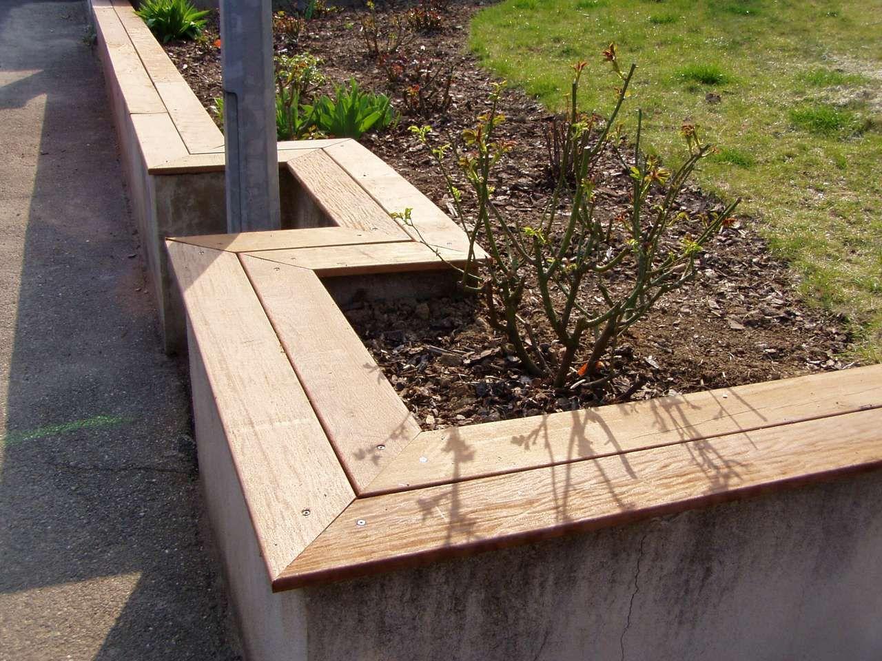 muret bois recherche google muret de jardin id es. Black Bedroom Furniture Sets. Home Design Ideas