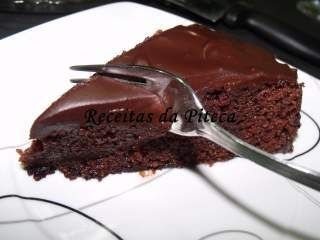 Image result for Bolo Húmido de Chocolate.