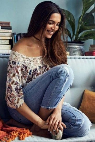 Want the similar white floral top and blue jeans that ...