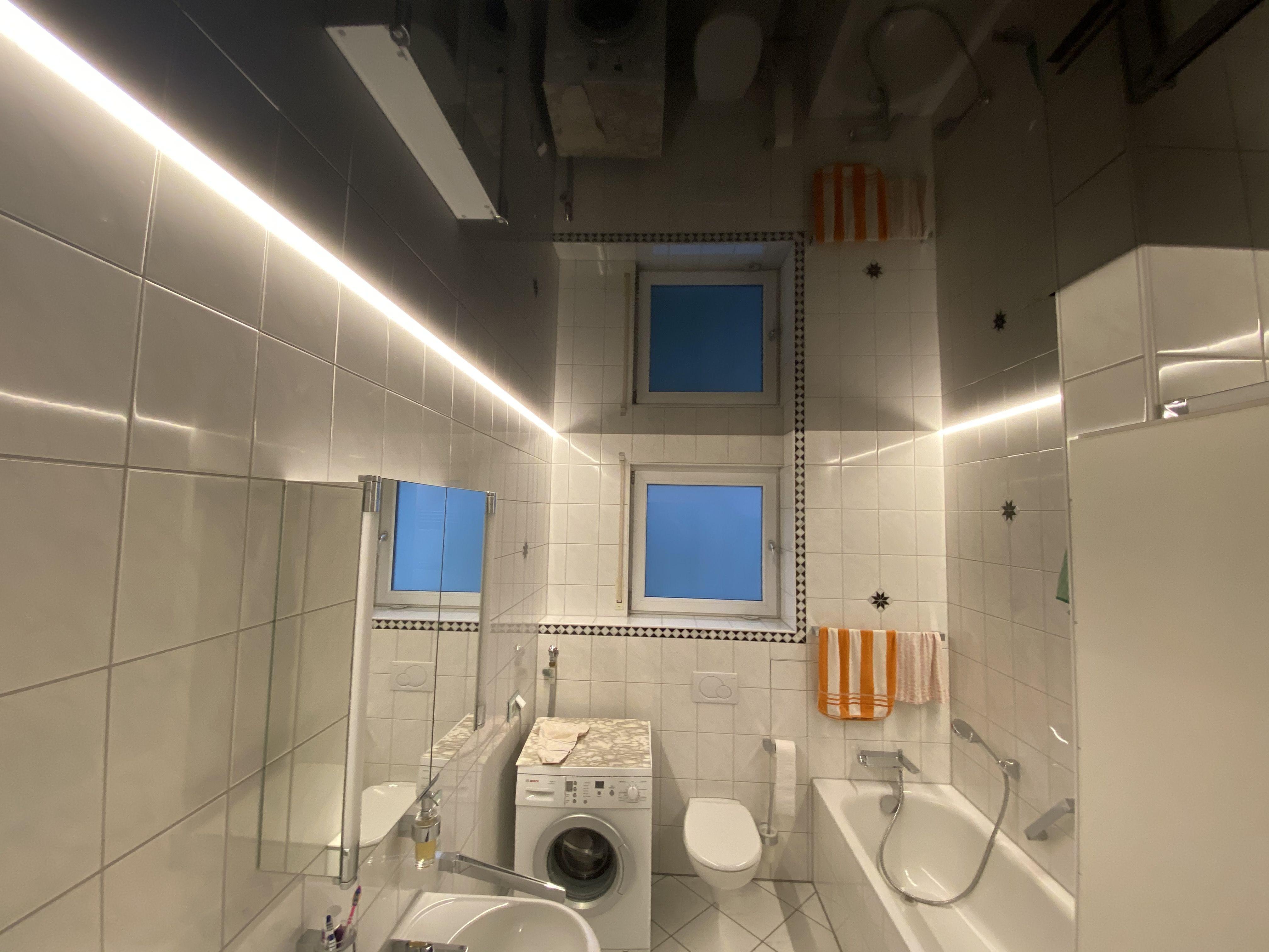 Badezimmer Mit Schwarz Glanzender Spanndecke Und Swarovski Sternenhimmel Www Spanndecken Bamberger De Spanndecken Badezimmer Decke
