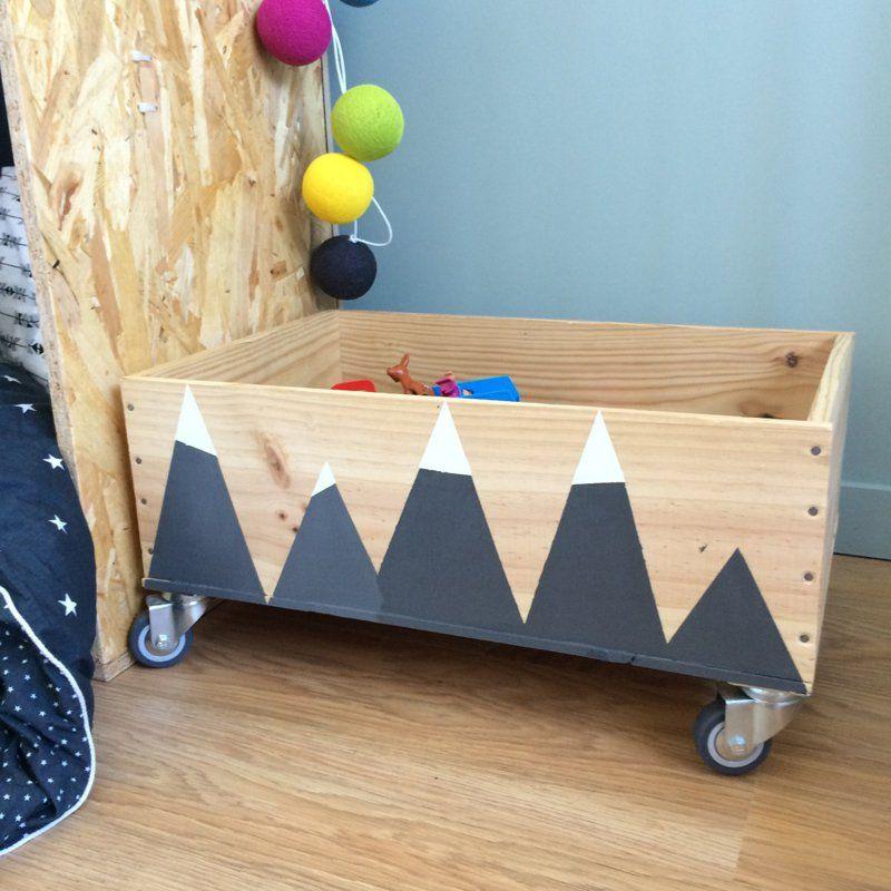 DIY déco : 19 manières de (ré)utiliser les caisses en bois | Caisse a jouet, Rangement jouet ...