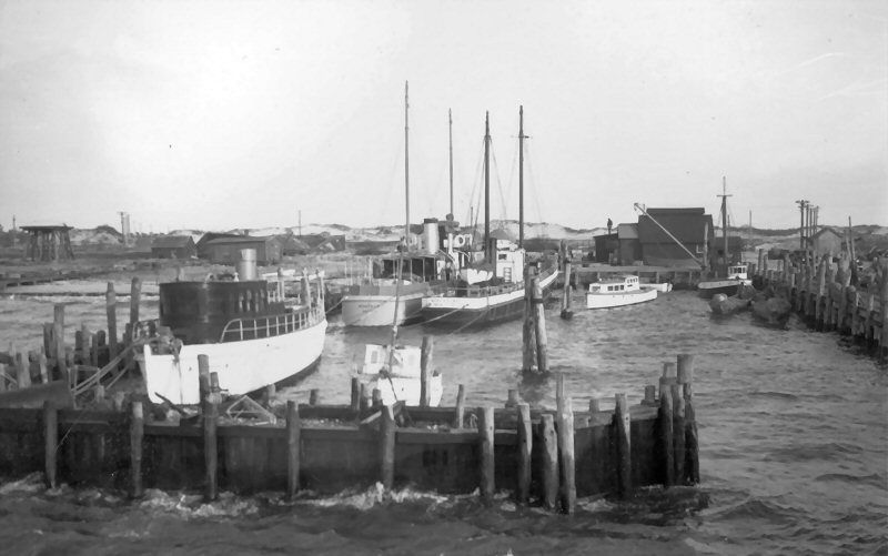 Edwards brothers dock at promised land 1938 photo by earl