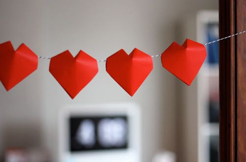 Puffy Origami Heart Garland For Valentines Day Tutorial Link Is