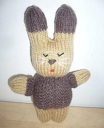 un mod le de tricot gratuit le doudou lapin en laine ce petit lapin doudou en laine tricot. Black Bedroom Furniture Sets. Home Design Ideas