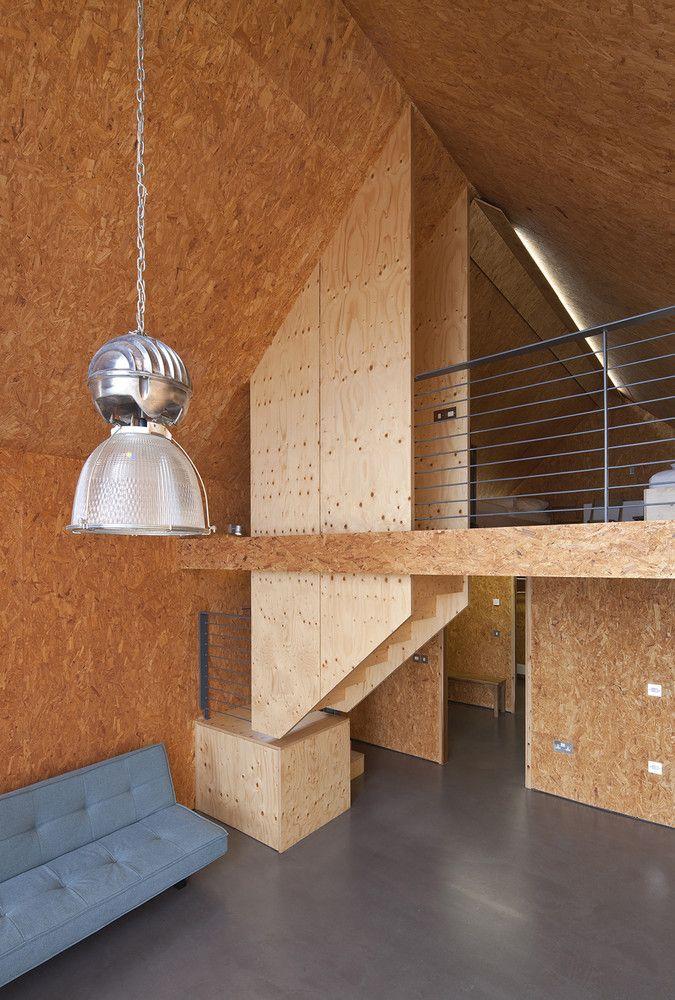 Galeria De Casa Em Elie Wt Architecture 3 Design De Escadas Moderno Moveis De Madeira Compensada Chales Pequenos