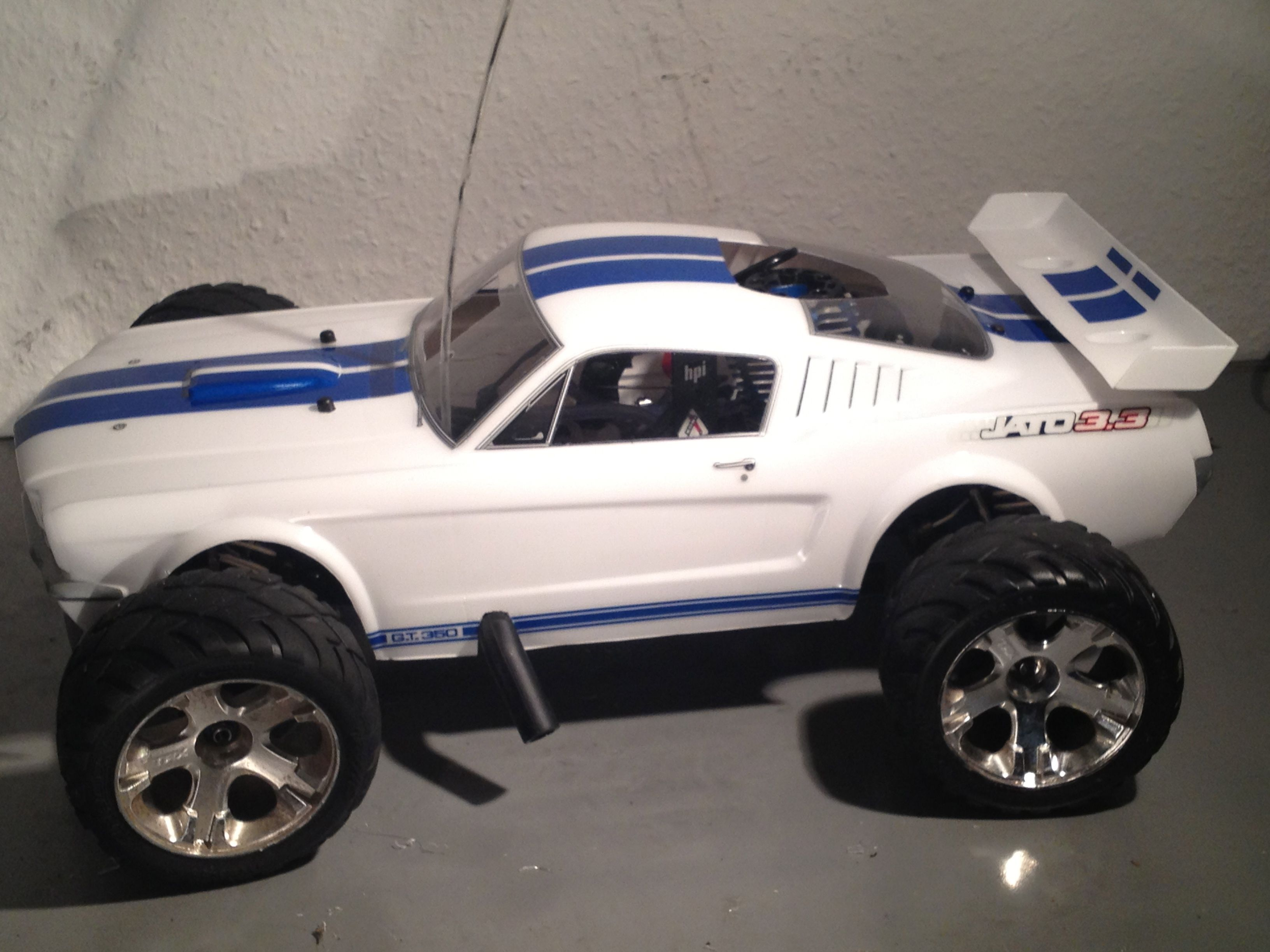 Shelby Mustang Body on Traxxas Jato
