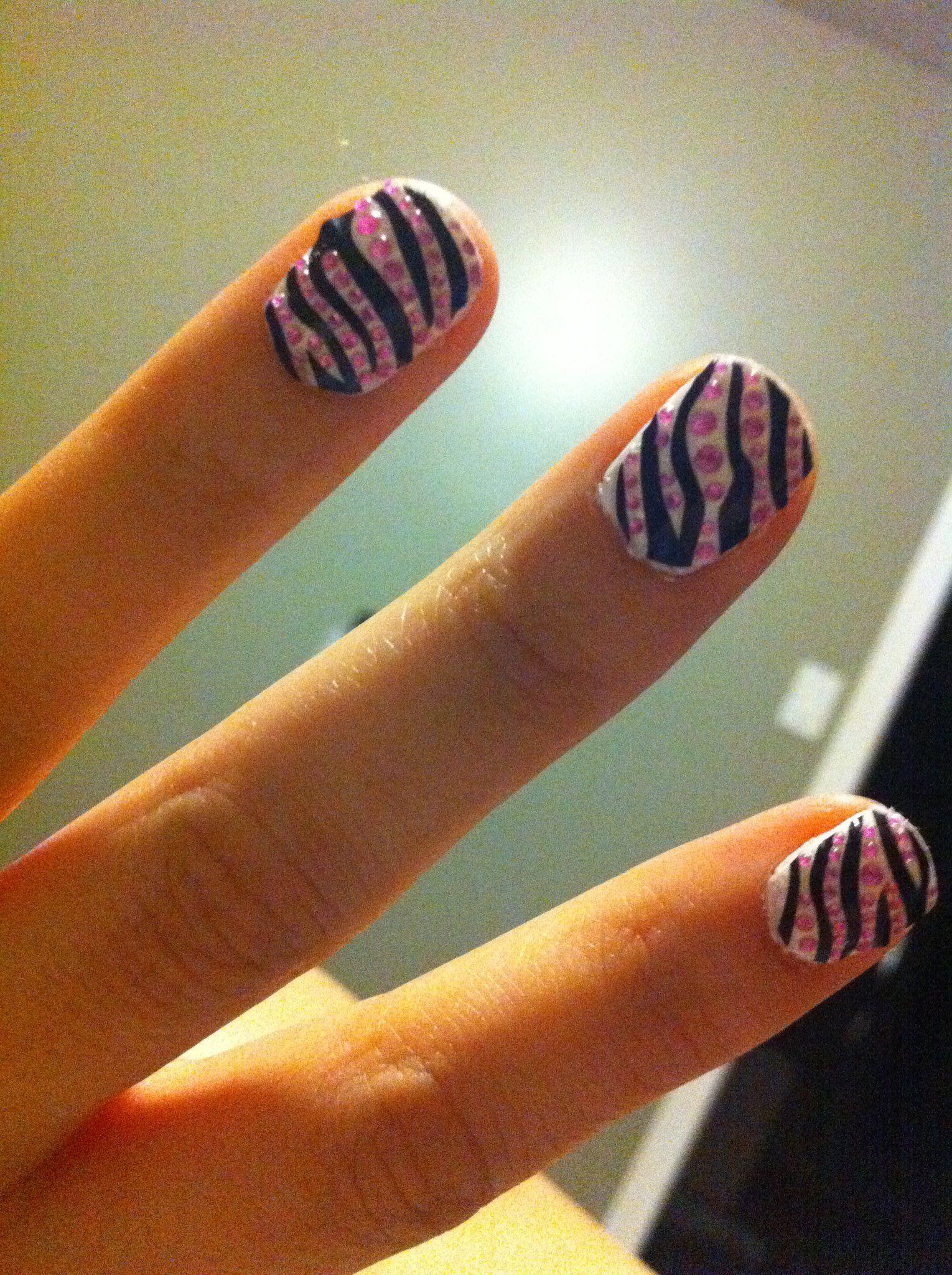 Pink zebra nails nails pinterest - Hot Pink Zebra Nails