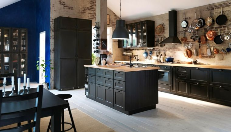 Cucina stile industriale parete rustica mobili legno colore nero isola centrale cucine ikea - Mobili cucine ikea ...