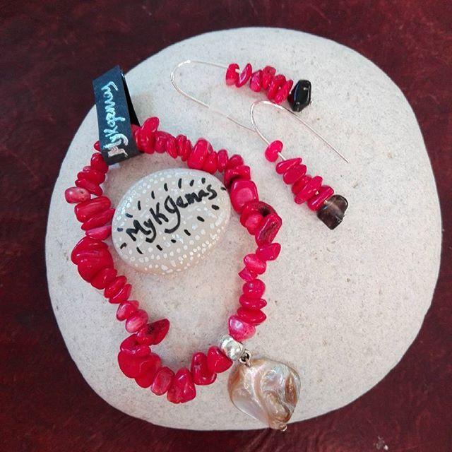 3da3fc8f0b0b  Pulsera de  coral  rojo con  nacar  pendientes haciendo juego en coral  rojo y  turmalina negra  protección  pasion  fuego  energia  chakra Venta  en ...