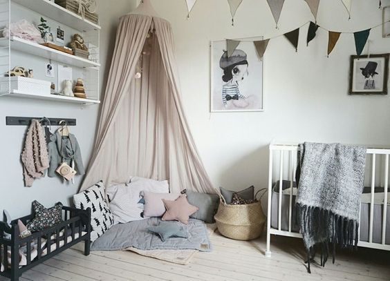 Decorating with Mrs. Mighetto http://petitandsmall.com/kids-room-decorating-ideas-mrs-mighetto/