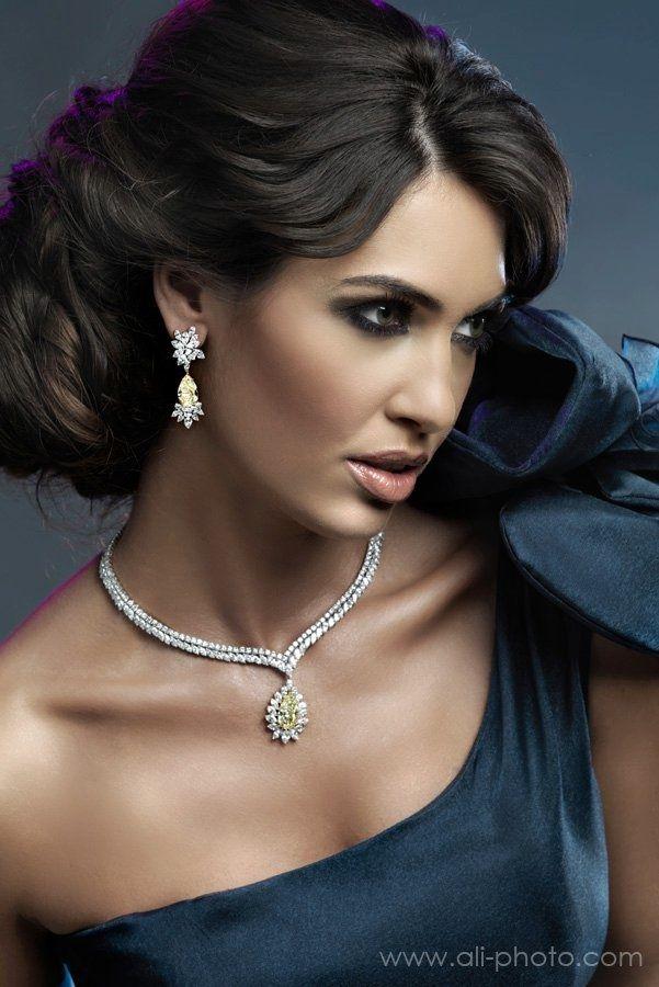 elan: KHALEDA RAJAB HAUTE COUTURE FOR Al Zain Jewelry Arabia 2010