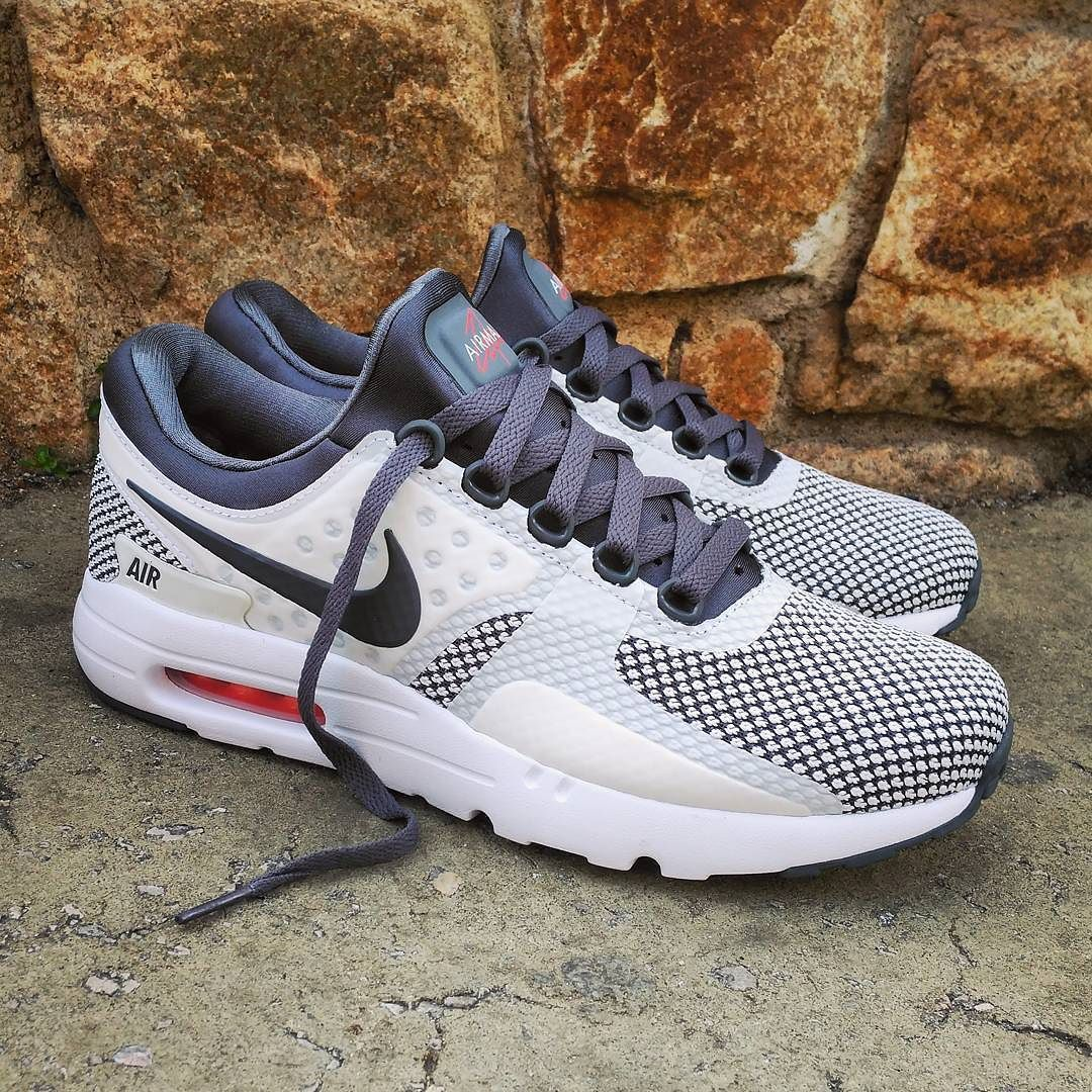 Women's Nike Air Max Sequent 2 Running Shoe Black/Racer