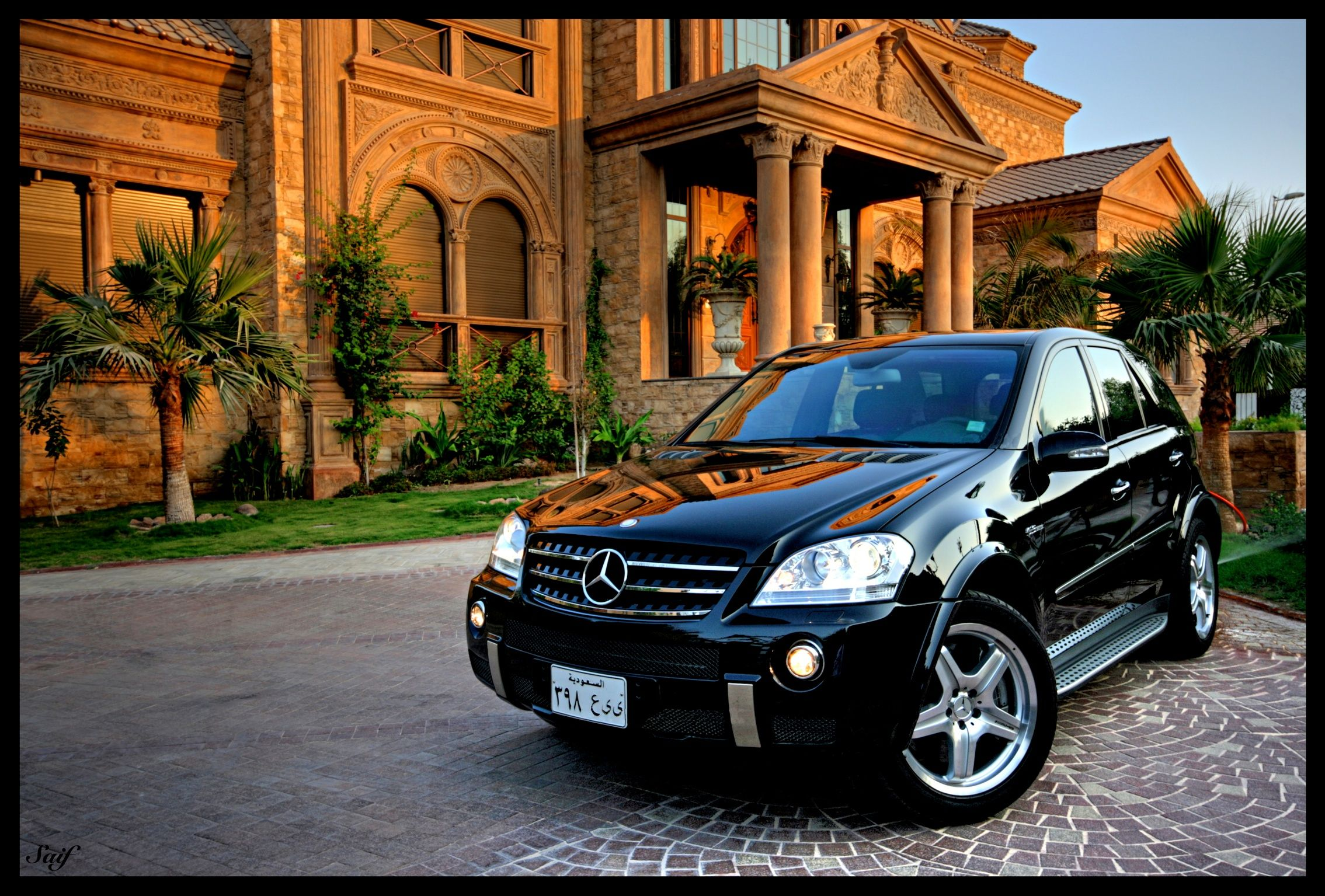 Mercedes-Benz ML 63. Photo by Saif Albluwi.  Fuel consumption combined: 11.8 (l/100km), CO2 emission combined: 276 (g/km).