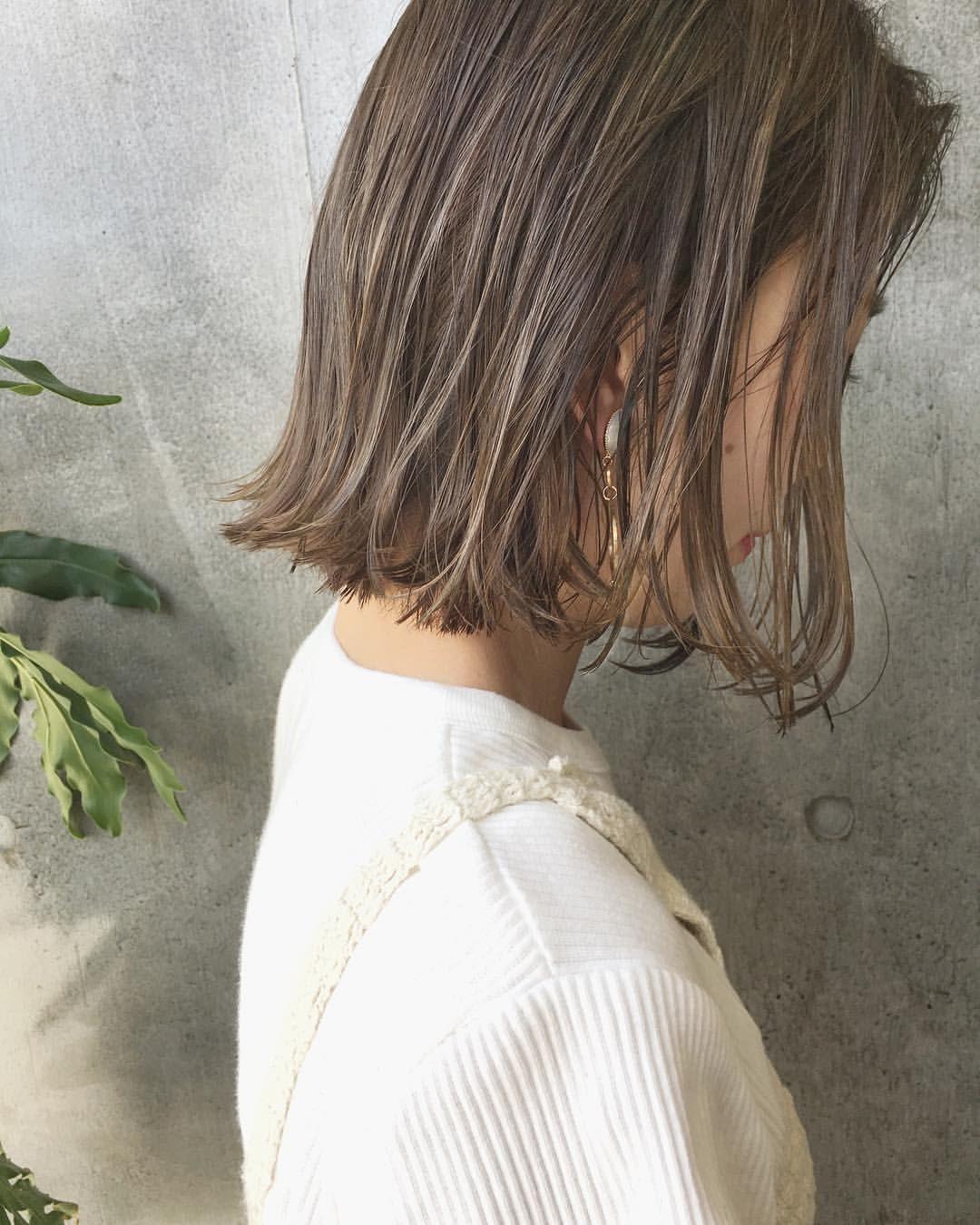 Takumi Takahashi ボブ ショートヘア さんはinstagramを利用しています Today S Guest 全頭ブリーチなし で細かーいハイライトでシアベージュに 夏っぽい柔らかい優しい色に ボブでも ヘアスタイリング 髪 色 ヘアスタイル