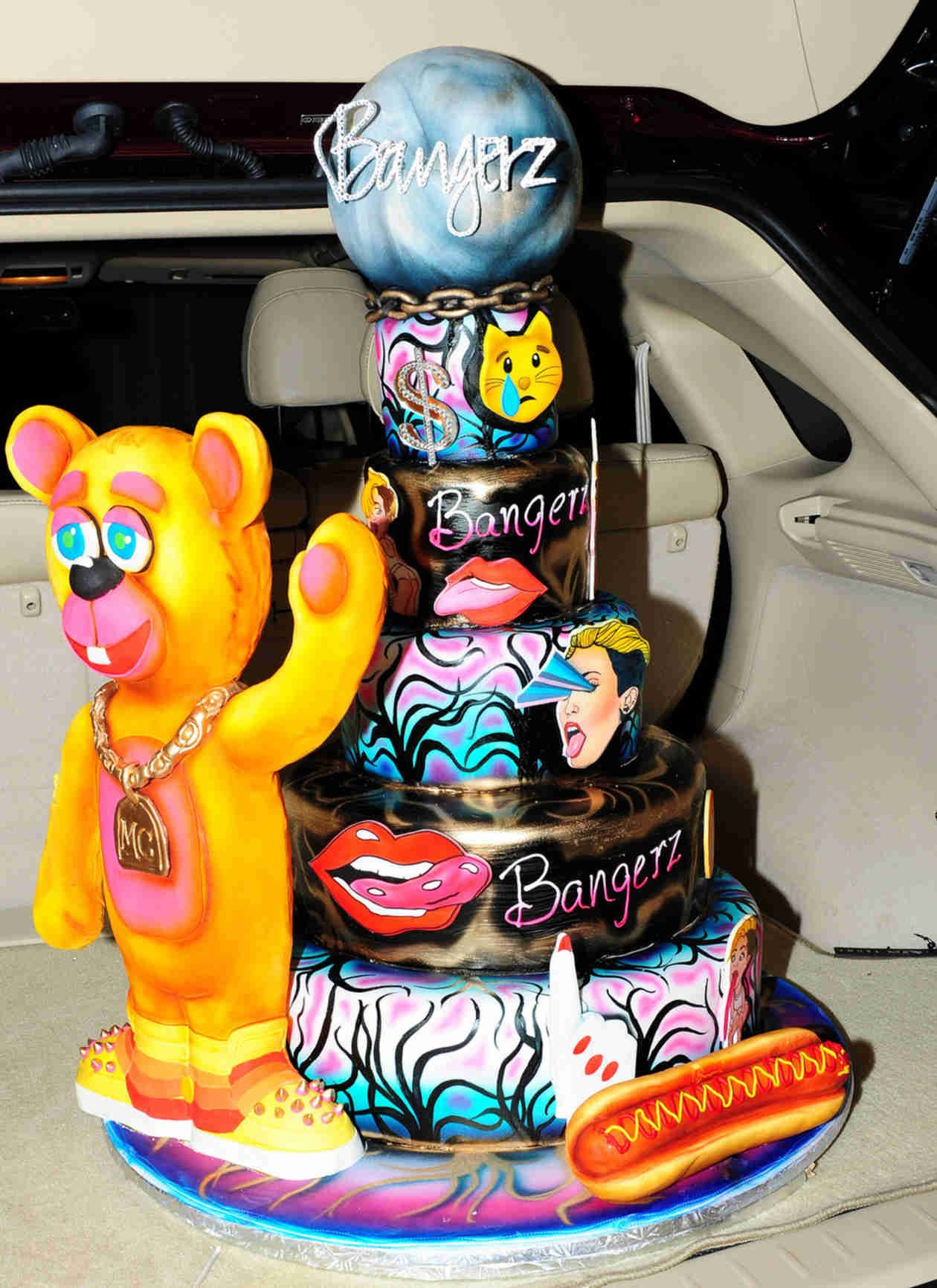 Miley Cyruss Bangerz Tour Cake In Miami Florida On March 22 2014