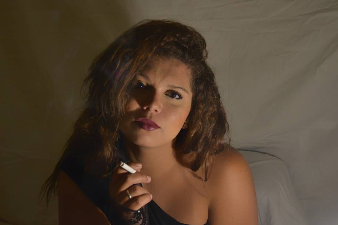 Photography Session by @gomsfoto  Model: @politabarrios  #art #smoking #nice #beautifull #woman  #nikonlens #session