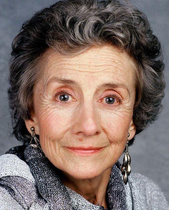 Suzanne Flon Nee Le 28 Janvier 1918 Au Kremlin Bicetre Banlieue De Paris Et Decedee Le 15 Juin 2005 A Paris Es Actrice Francaise Actrice Portraits Celebres