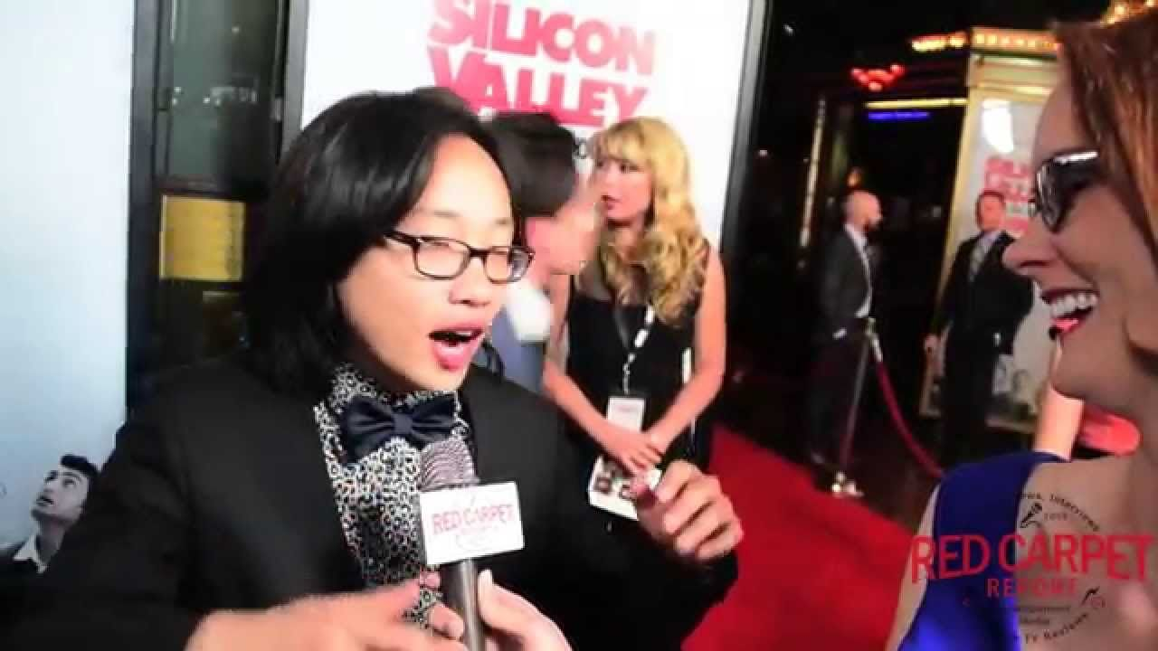 We catch up with @FunnyAsianDude Jimmy Yang at the Season 2 Premiere for HBO's Silicon Valley #SiliconValley