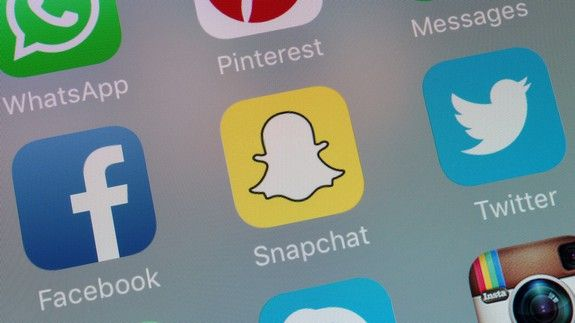 How to switch back to the old version of Snapchat (before