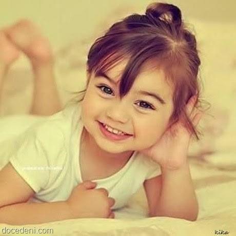 Um sorriso é um ato de amor, um presente à pessoa, algo maravilhoso.  (Madre Teresa)