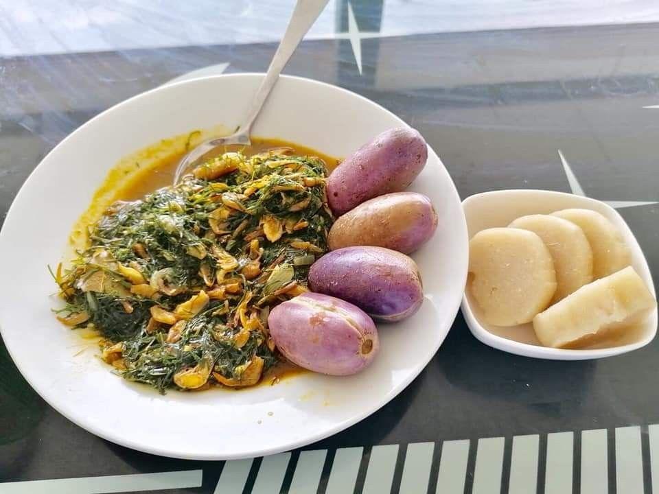 Nkumu Atanga Manioc Bateke Cuisine Africaine Cuisine Gabonaise Gastronomie Gabonaise En 2020 Cuisine Africaine Gastronomie Plat Africain