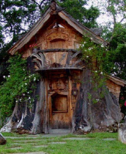 Absolutely Amazing Tree Houses By Steve Blanchard It Looks Directly Carved Out Of The