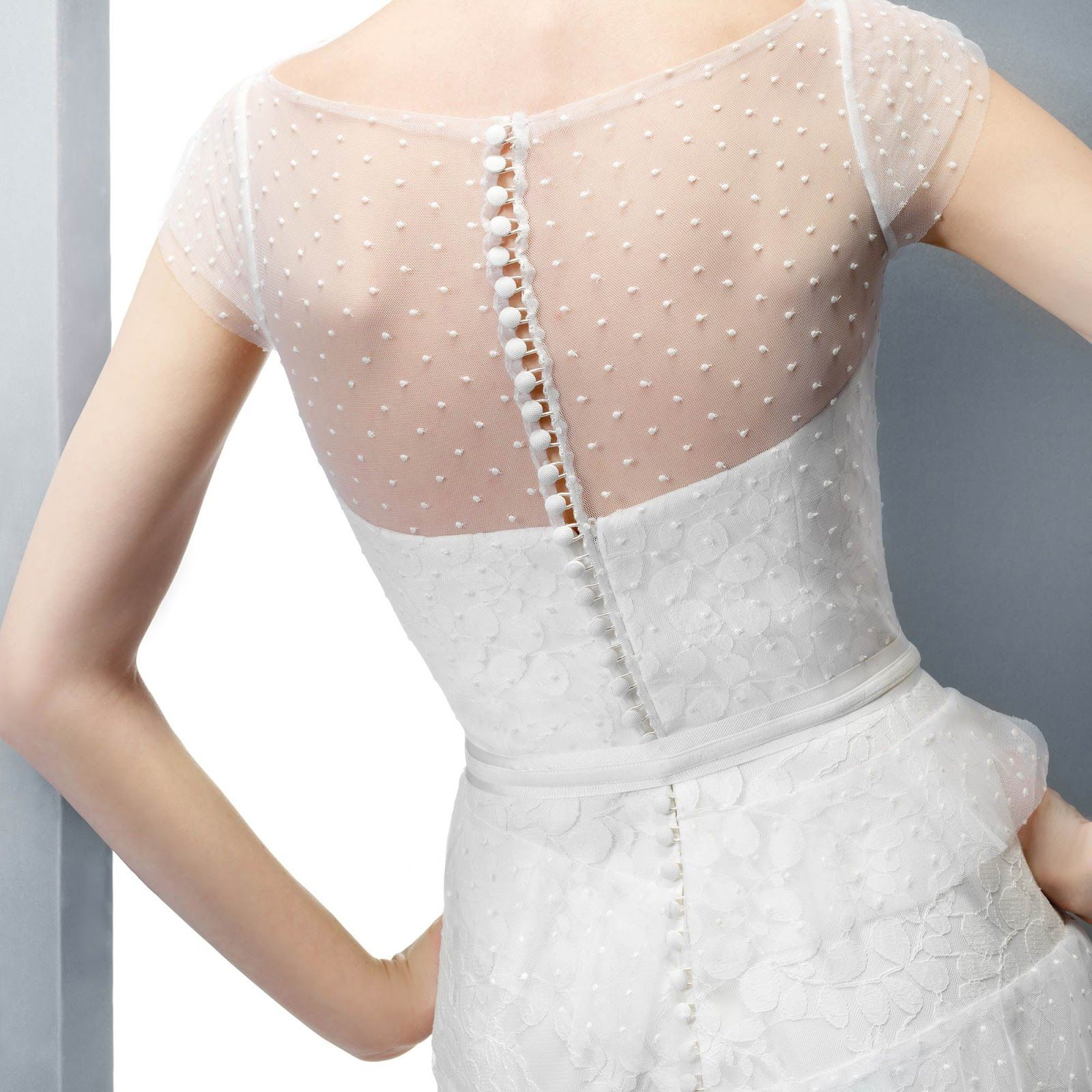 Stunning dress back in dotted swiss fabric dressmaking project