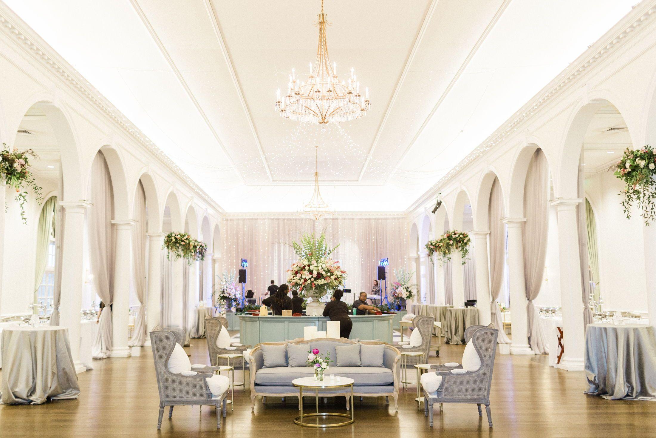 Birmingham Country Club Wedding Laura Miller Leslie Hollingsworth In 2020 Country Club Wedding Birmingham Wedding Alabama Weddings
