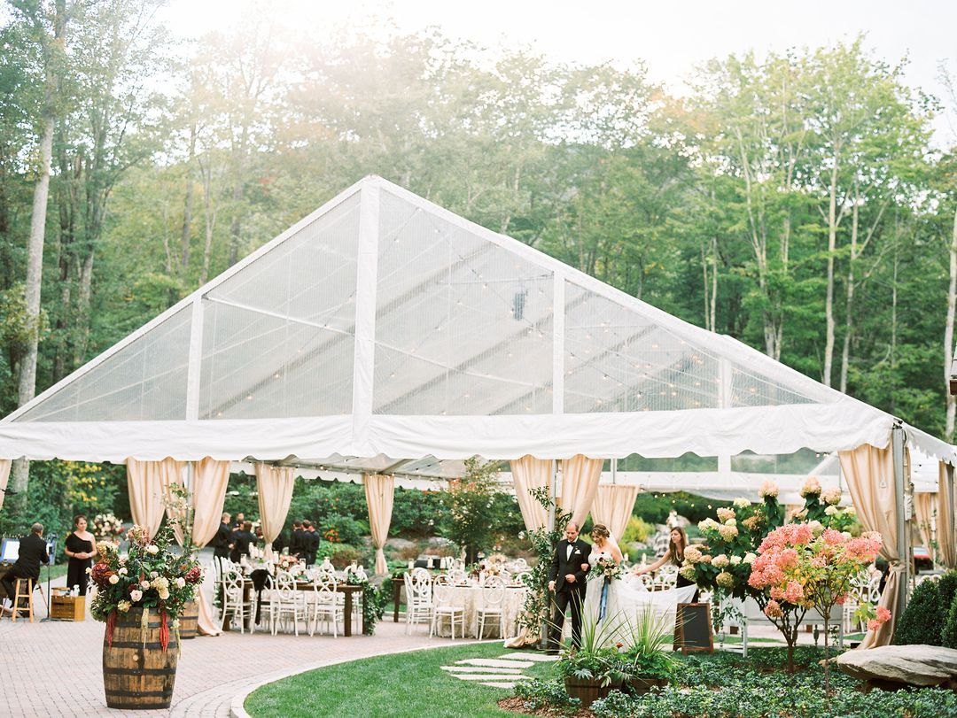 What You Need to Know When Planning a Tented Wedding ...
