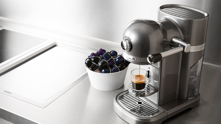 Still Looking For Reasons To Buy A Lavazza Coffee Machine Foknewschannel In 2020 Pod Coffee Machine Lavazza Coffee Machine Coffee Machine