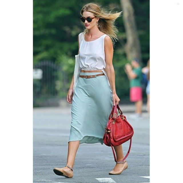 #ThrowBack #rosiehuntingtonwhiteley #jasonstatham #croptop #pink #plaidshirt #plaid #flats #summer #fashion #style #celebrity #victoriassecret #angel #couple #trend #trendy #chic #ootd #outfit #paparazzi #mirandakerr #vs #stylish #accessories #heels #shoes #model #fall... - Celebrity Fashion