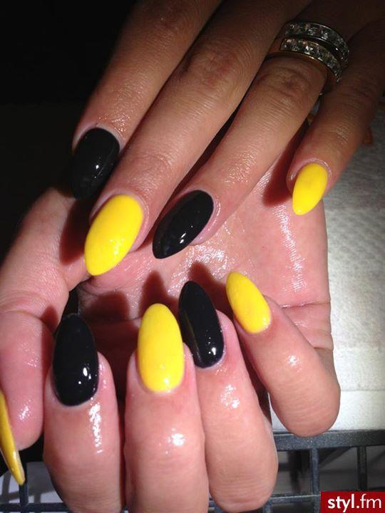 Yellow And Black Nails Yellow Nails Nail Colors Soft Nails