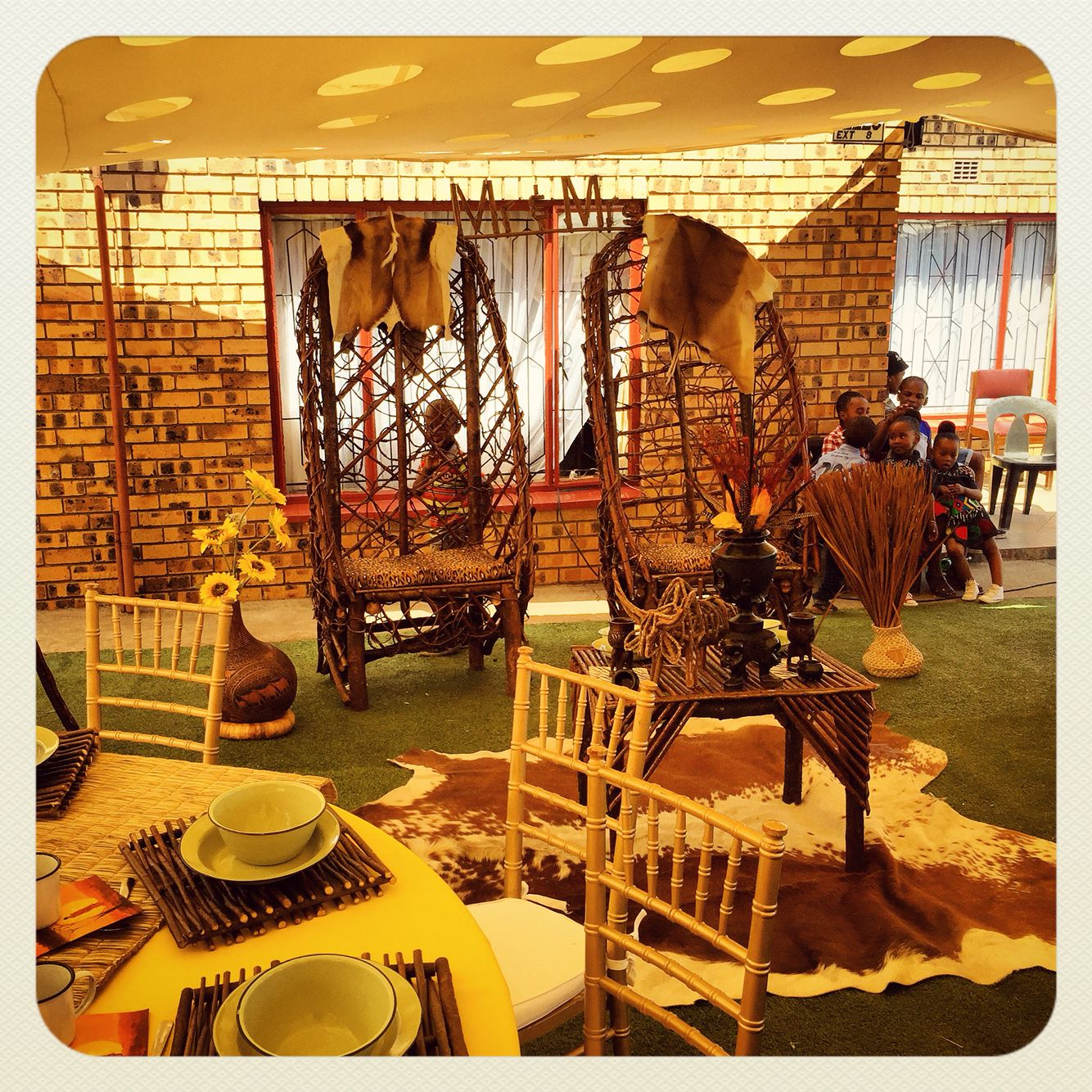 Traditional african wedding centerpieces and decor facebook traditional african wedding centerpieces and decor facebookjoburgtents or secundatentsevents junglespirit Choice Image