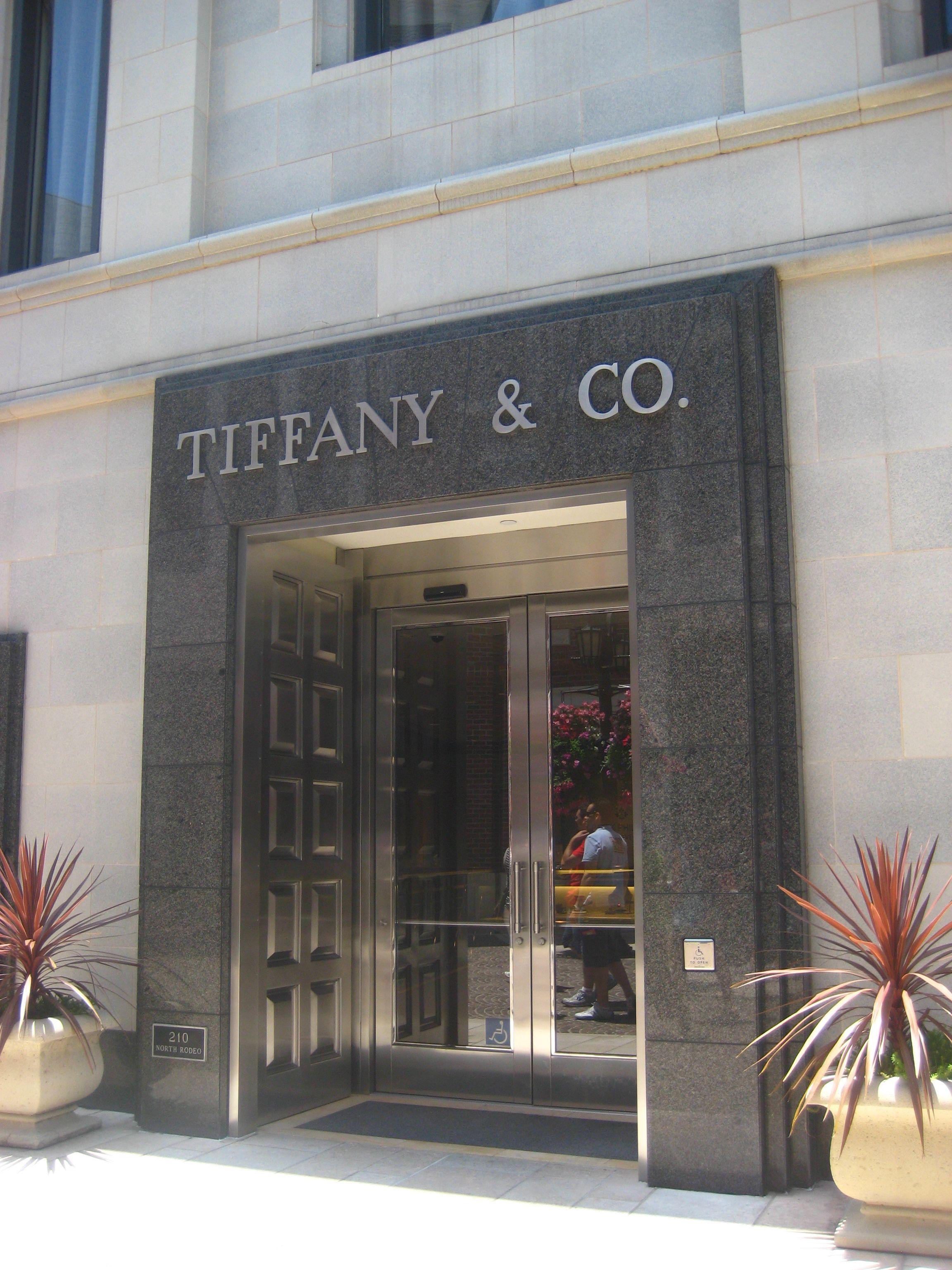 Rodeo Drive, baby. Tiffany & Co. | Walk around the world ...