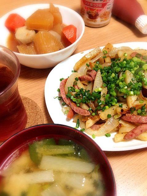 一日経った煮物は味が染み込んでてとっても美味しかったです(*^^*) - 6件のもぐもぐ - ジャーマンポテト、昨日の煮物 by chinami