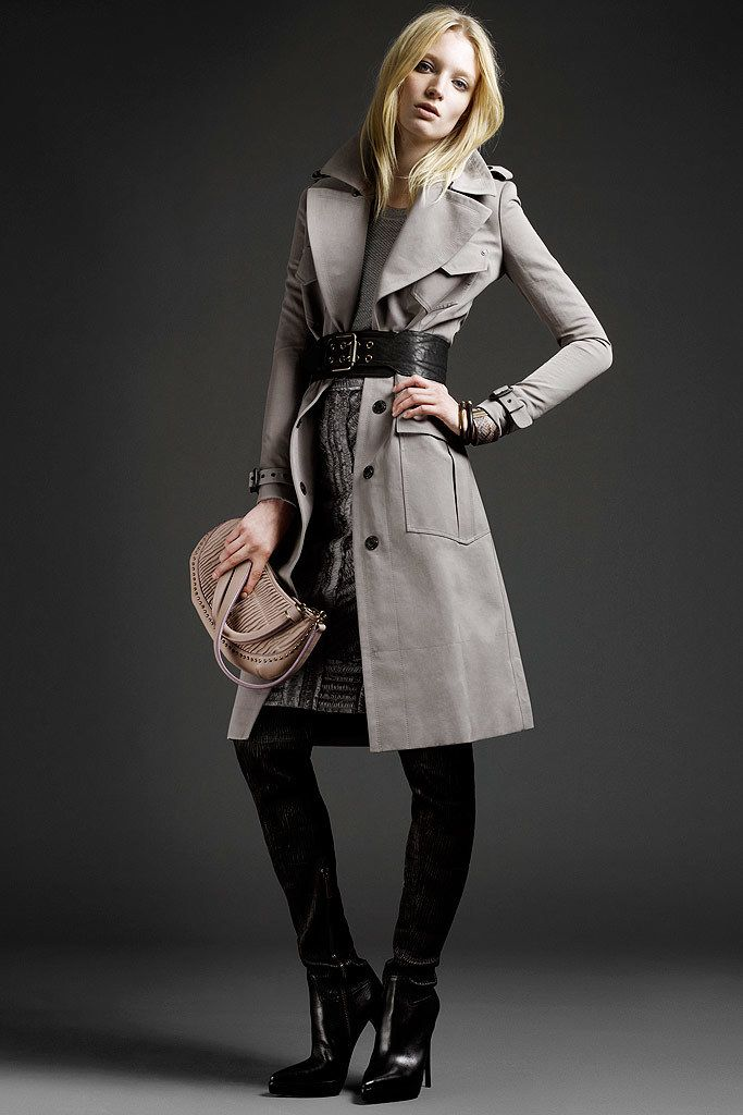 Burberry Prorsum Resort 2011 Fashion Show - Melissa Tammerijn