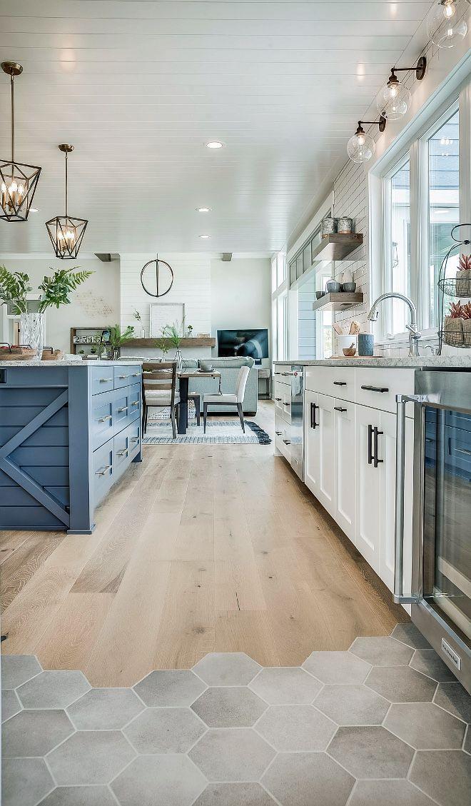 Photo of Küchenboden ist Ragno Hexagon Fliesen und River Shores Holzboden. Home Bunch