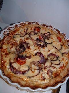 Terhin keittiössä - ruokablogi: Punasipuli-fetapiirakka