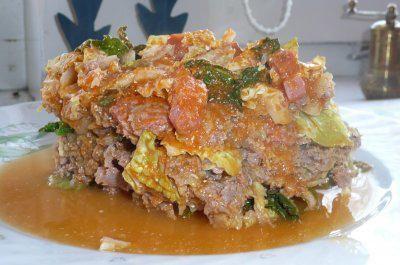Gemüse: Wirsing-Schichtkohl aus dem Römertopf #spitzkohlrezeptehackfleisch