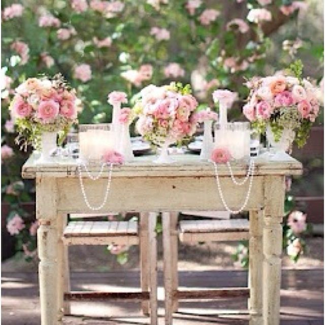 Shabby Chic Wedding Reception Ideas: Shabby Chic Sweetheart Table