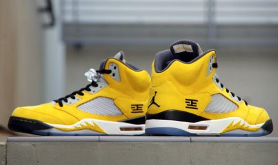 Air Jordan 5 Retro Tokyo 23 Yellow White Black shoes