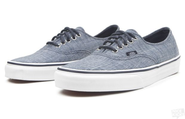 0b3d67ef879208 Vans Authentic