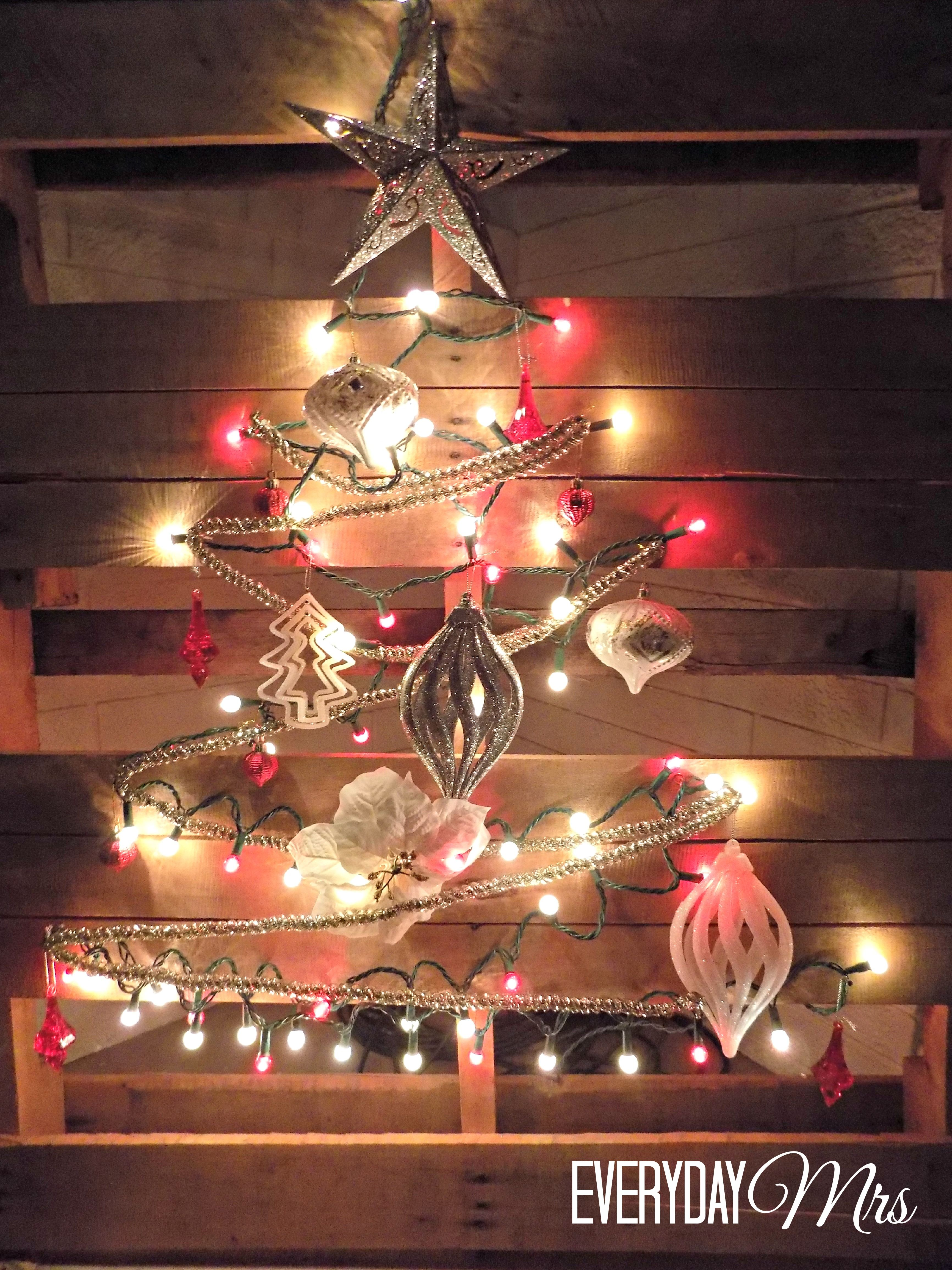 Easy Diy Christmas Pallet Project