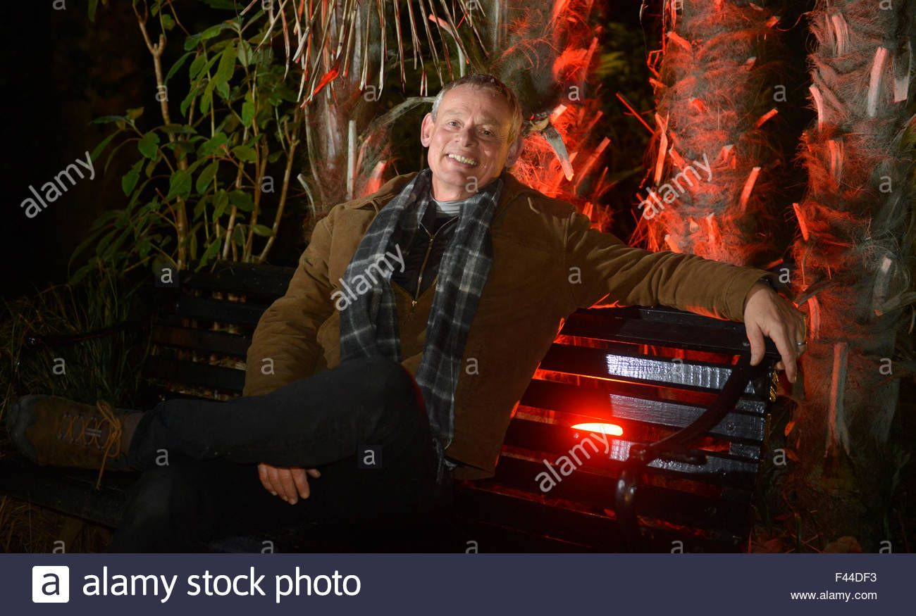 Download This Stock Image Actor Martin Clunes Turns On The Lights At Abbotsbury Sub Tropical Gardens In Dorset Britain U Martin Clunes Photo Tropical Garden